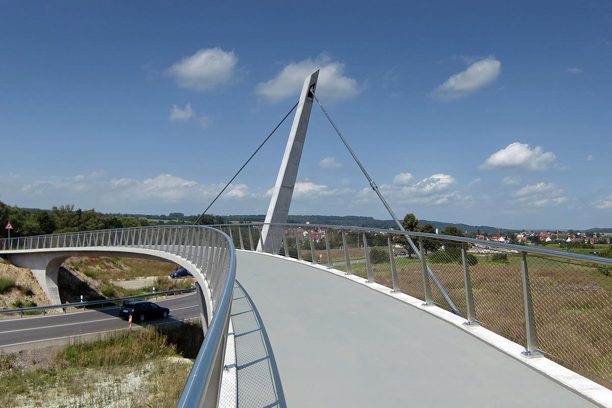 pedestrian and cycle bridge tuebingen peter und lochner. Black Bedroom Furniture Sets. Home Design Ideas